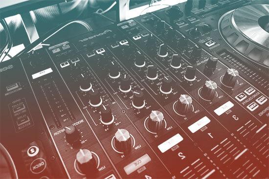 أدوات تحرير الصوت التي تعطيك سيطرة كاملة على مظهر الفيديو.